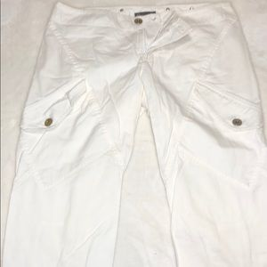 Armani exchange white capris pant with zipper back